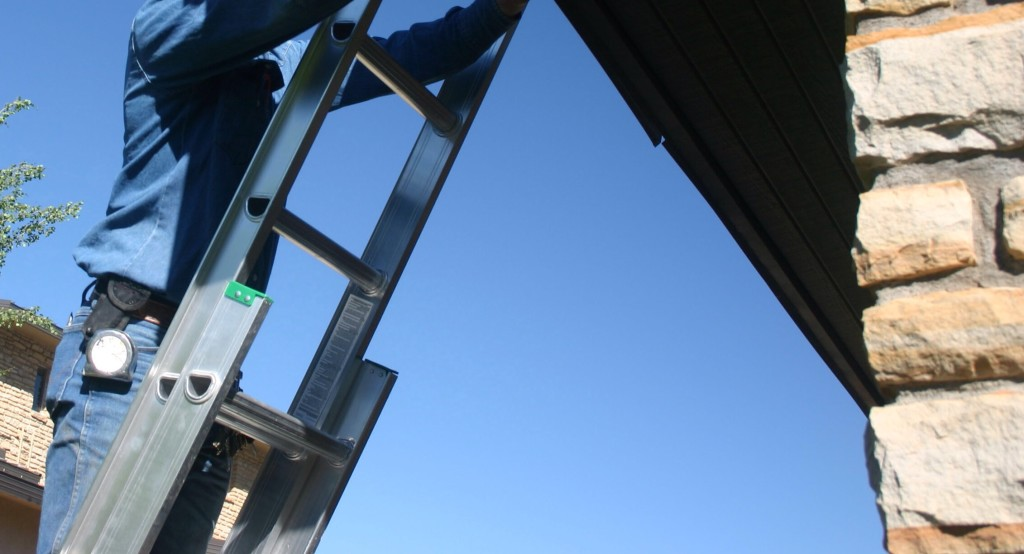 Leaning a ladder against gutter 15mm flexible tap connector